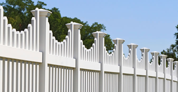 Fence Painting in Kenosha Exterior Painting in Kenosha